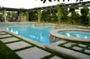 San Clemente Pool Cleaning